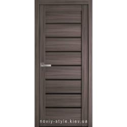 Двері Леона Новий Стиль дуб атлант (екошпон) з чорним склом