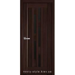 Двери Лаура Новый Стиль каштан (ПВХ DeLuxe) с черным стеклом